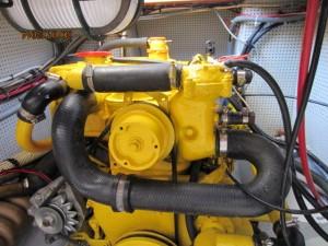 1652V Engine (3)