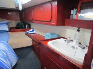 1819V Aft Cabin (4)